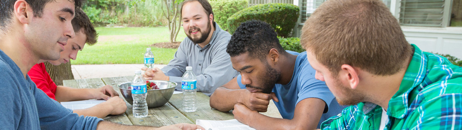 Rosecrance recovery students studying outside